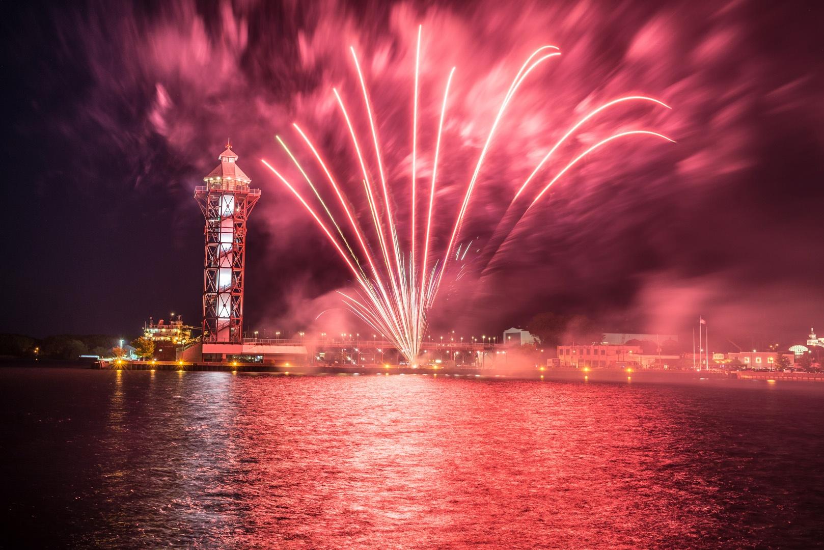 IBEW_712_Fireworks-015.jpg