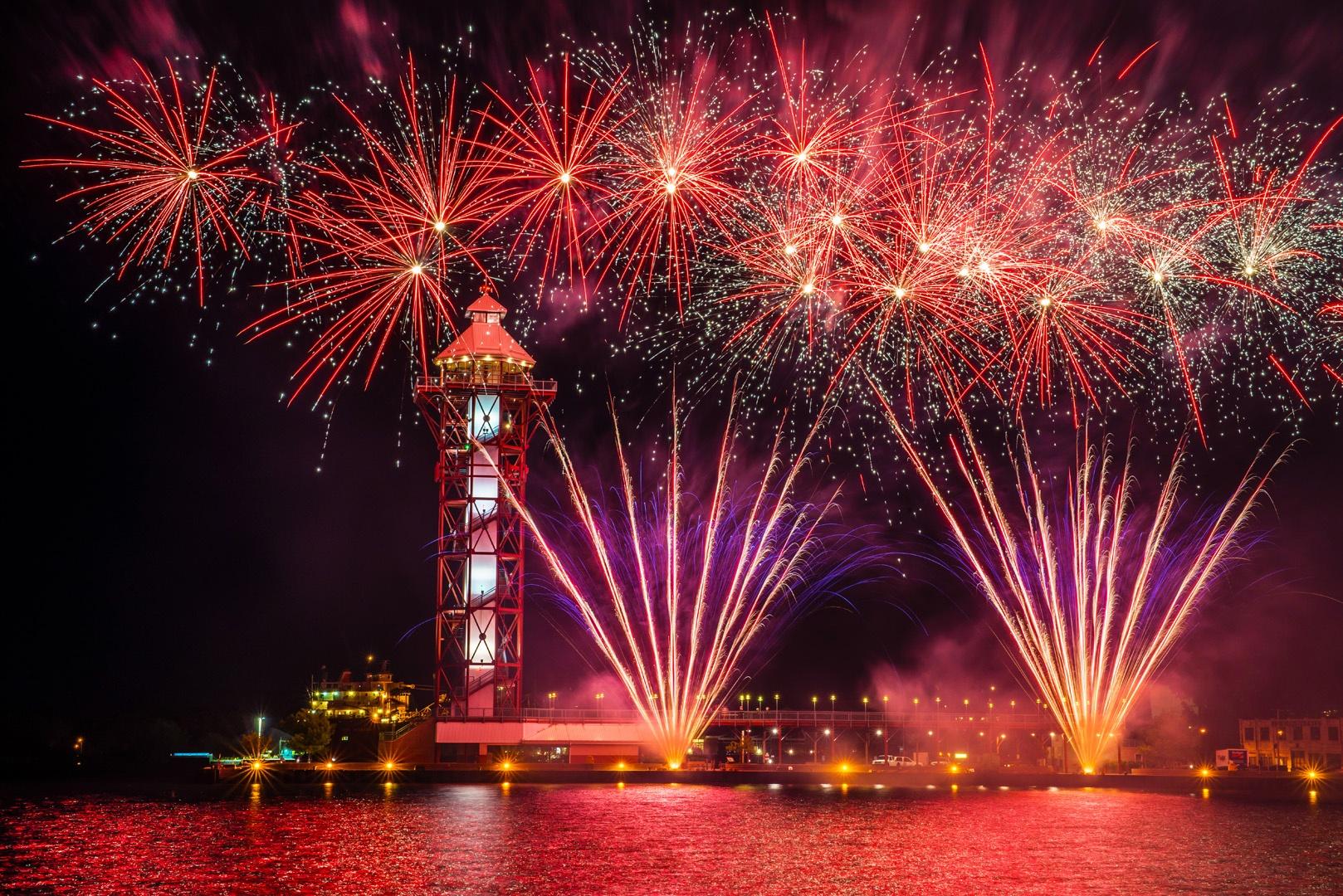 IBEW_712_Fireworks-035.jpg